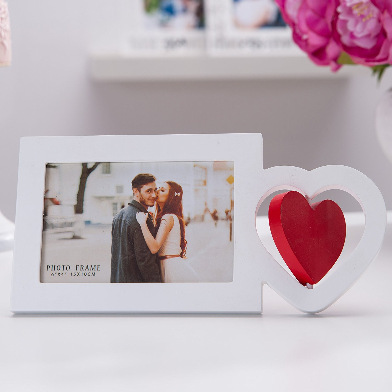 "4x6"" Wooden Photo Frame in White with I Heart in Red, I Love You, Contemporary style. Perfect for Mother's Day Birthdays or Anniversaries, Picture Size 4x6 (I HEART in RED, 4 x 6)"
