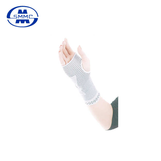Easy to wear sports knitted palm protectors