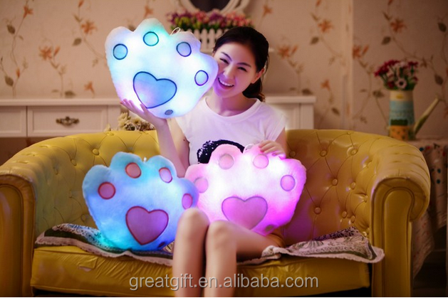 Creative valentine's pillow stuffed light-emitting plush doll kids birthday gift lovely promotion decorative color change <strong>toy</strong>