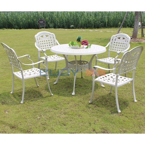 Cast aluminum patio furniture, 1 table with 4 chairs