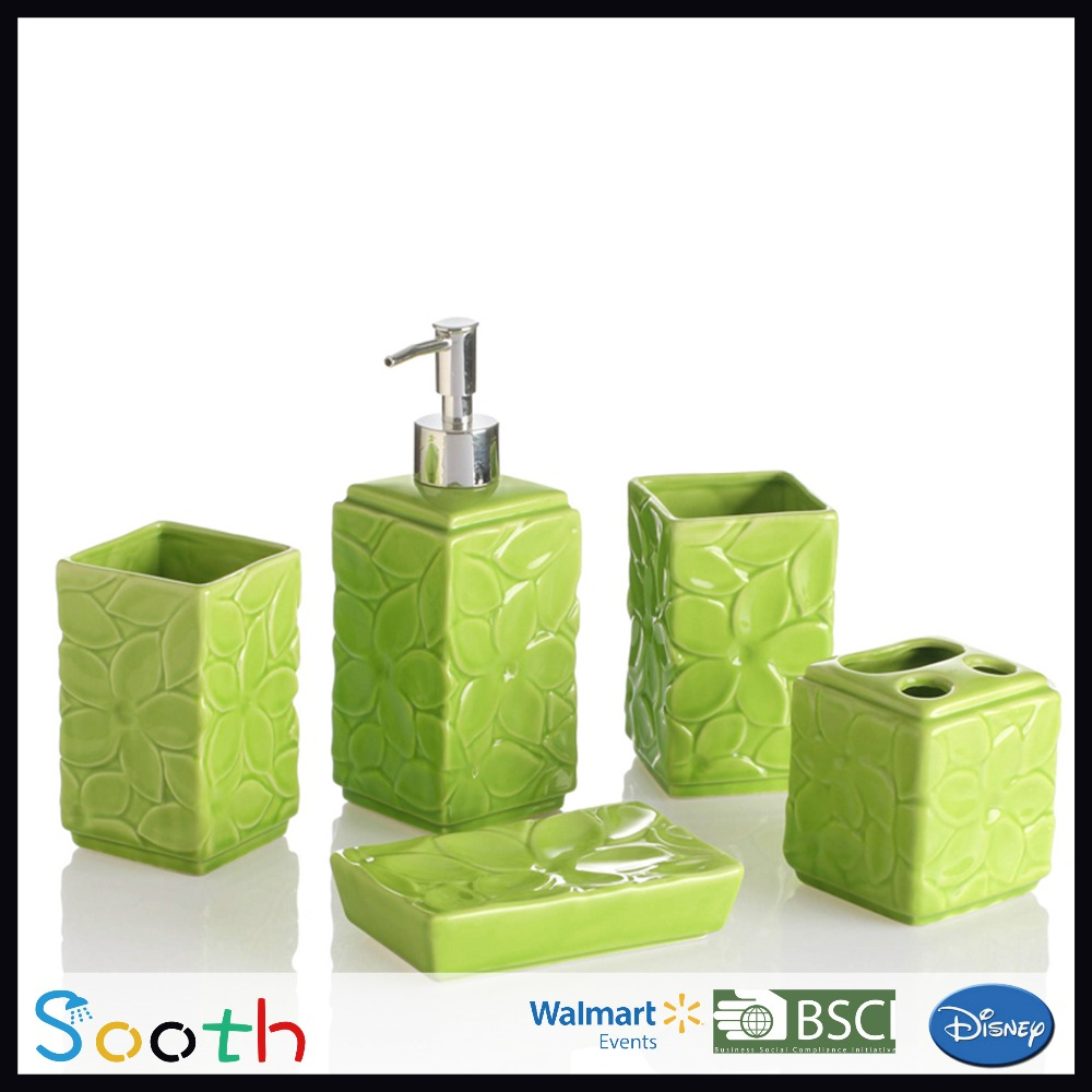 Fascinating 10 lime green bathroom accessories design for Bathroom decor lime green