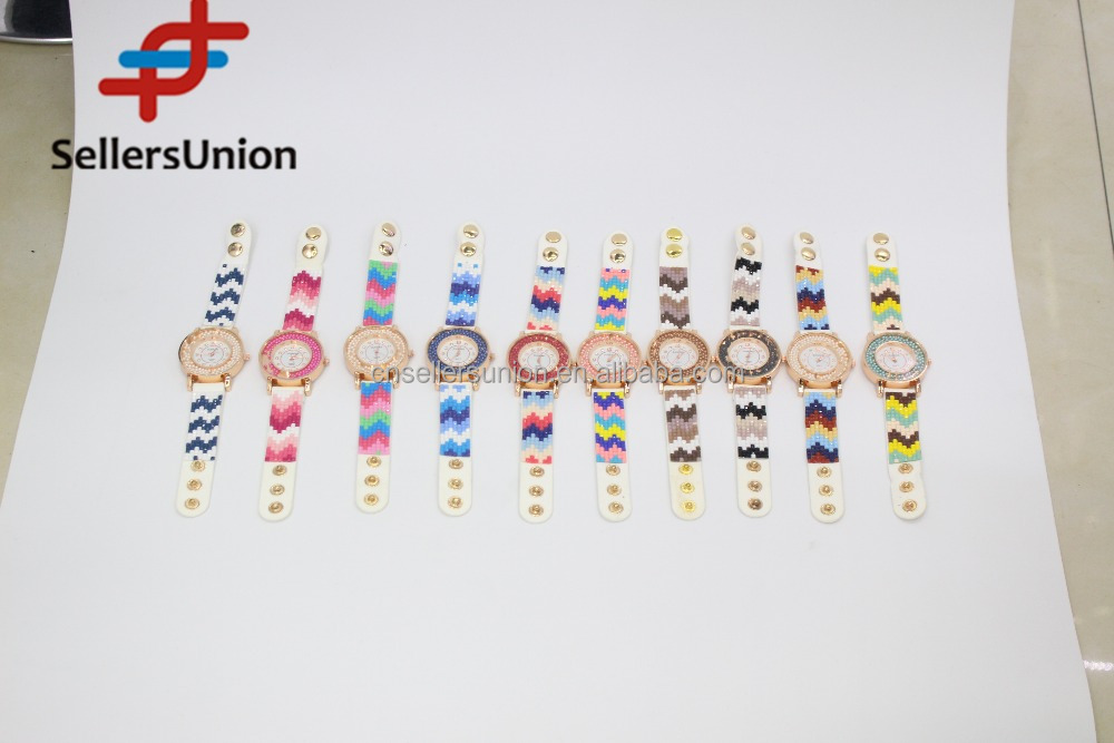No.1 yiwu exporting commission agent wanted Colorful wavy pattern plastic ladies knit watches