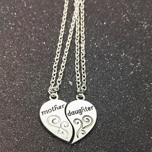 Mother's Day Gift Eco-friendly Hot Sale Mother and Daughter Two Halves of Heart Pendant Necklace