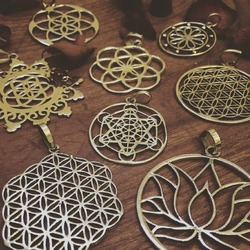 New stainless steel hollow out tree of life laser cut charm pendant