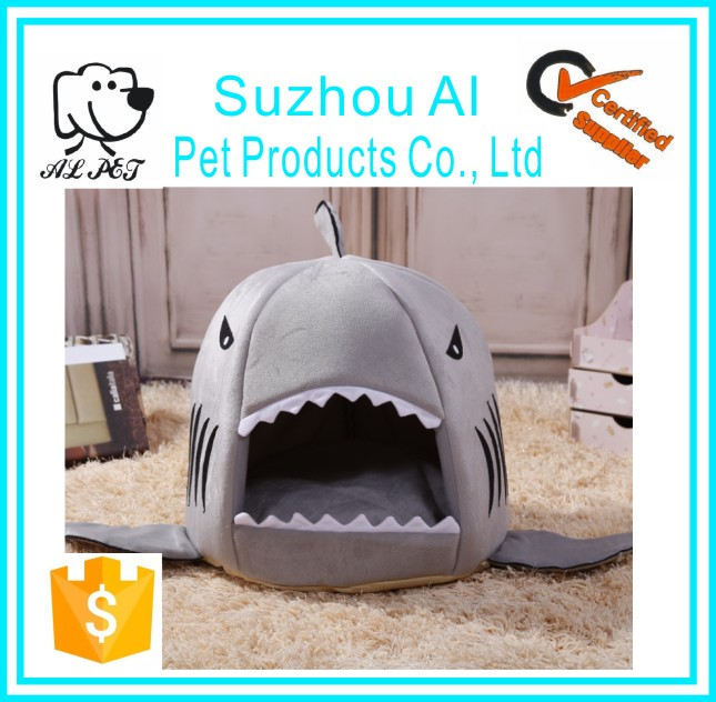 Hot Selling Pet Supplies Shark Shaped Dog Cat Accessories Bed