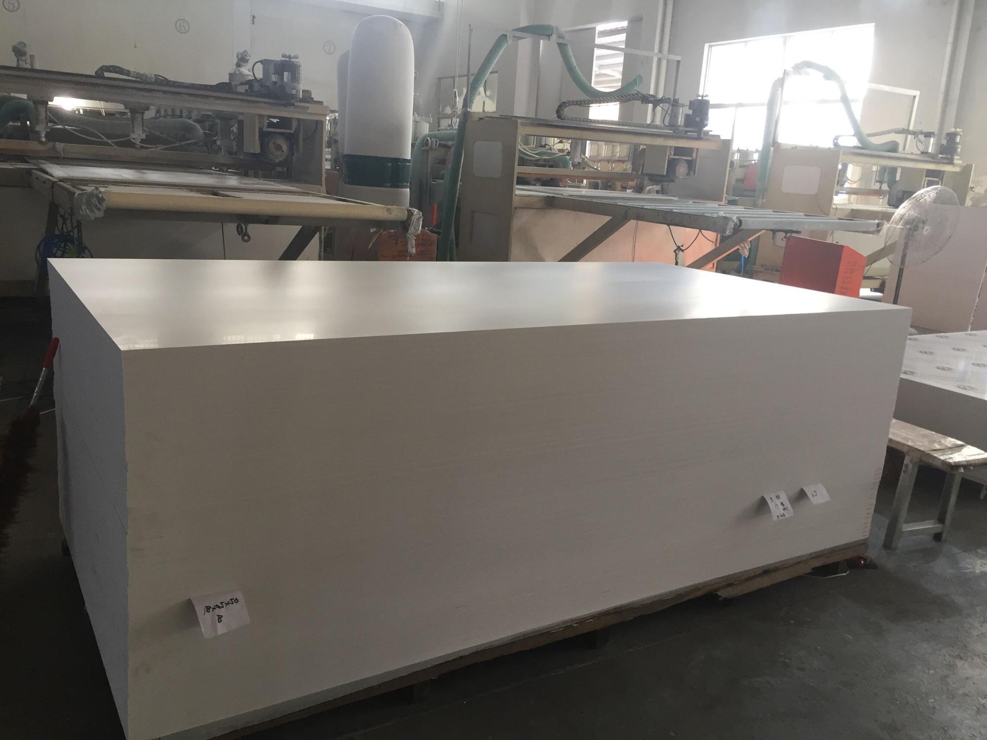 Hoge dichtheid stijve PVC wit gratis foam board PVC foam board PVC platen