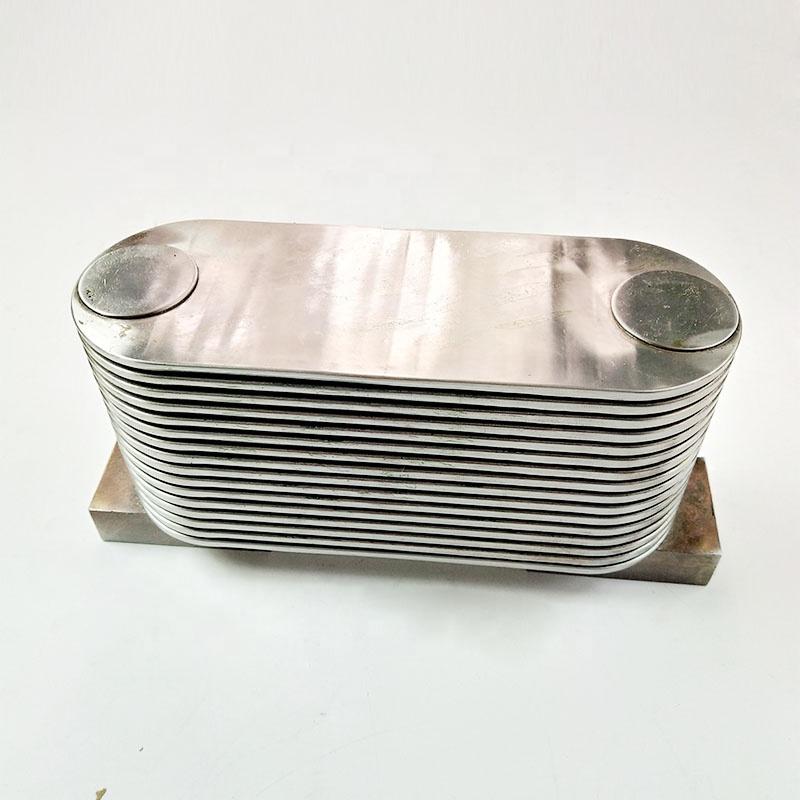 K19 KTA19 Truck Cooling System Oil Cooler 3804934