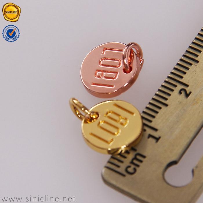 O logotipo feito sob encomenda da forma redonda de Sinicline gravou etiquetas coloridas do metal da jóia