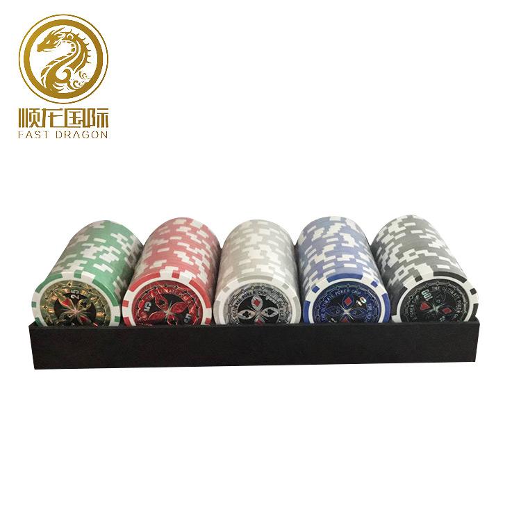Onderhandelen 300 stks 1 aluminium case + 1 dealer chip 2 speelkaarten 5 rode dobbelstenen Poker Chips Set