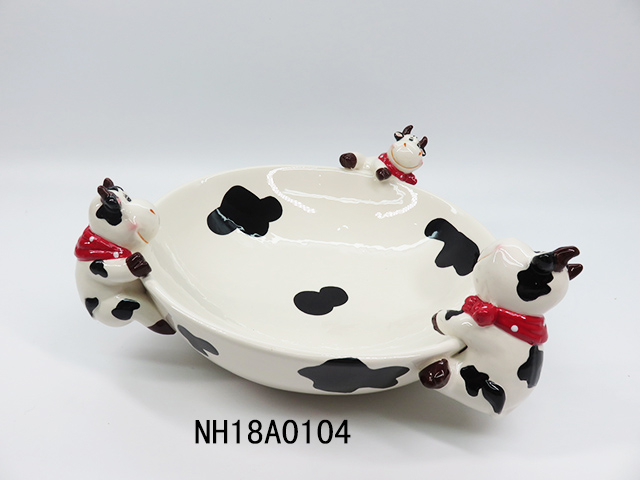 OEM welcomed milk cow shape ceramic plate with colored ceramic plate fruit salad plate sets ceramic in different size