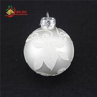 Customized Elegant Design Xmas Tree Hanging Hand Painted Shiny White Glass Christmas Ball