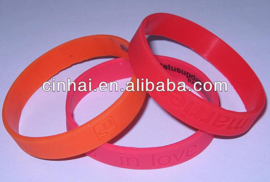 china manufacturer customized in jesus name i play jeremy lin silicone bracelets