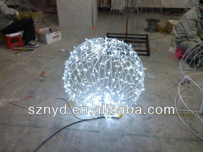 Christmas Ball Outdoor Decoration Beautiful LED Ball Lights For Garden