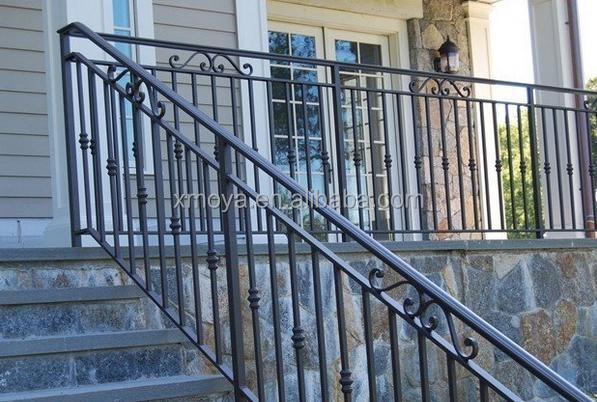 Corrimano in ferro battuto scala esterna recinzione grata - Scala esterna in ferro ...