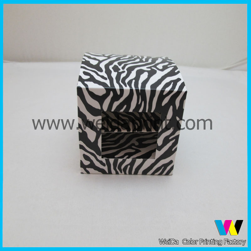 small retail cardboard paper box packaging
