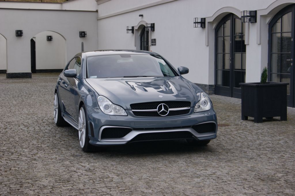 NEW Genuine Mercedes Benz MB CLS W218 AMG Pare-chocs arrière côté grill Paire L R