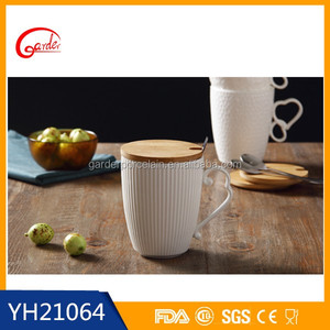 Wholesale square ceramic coffee mug with spoon