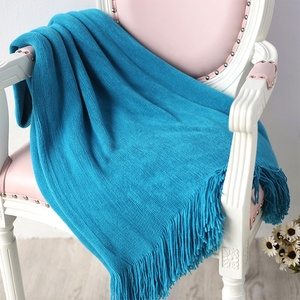 Plain Color Cashmere Like Soft Acrylic Piece Dye Warp Knit Portable Light Weight Dector Blanket Throw With Tassels