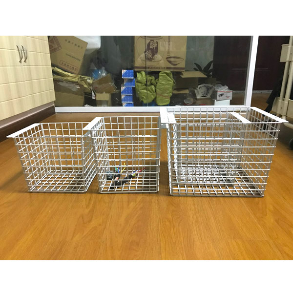 Factory welded customized wire mesh storage basket with color painting