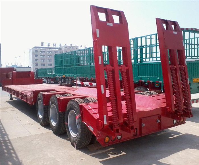 2017 60Ton Three Axles Middle Concave Low Bed Low Boy Truck Trailer With Hydraulic Steering Wheels