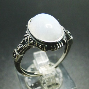 wholesale gemstone antique oval cut moonstone ring 925 Solid sterling silver ring for women exquisite moonstone ring