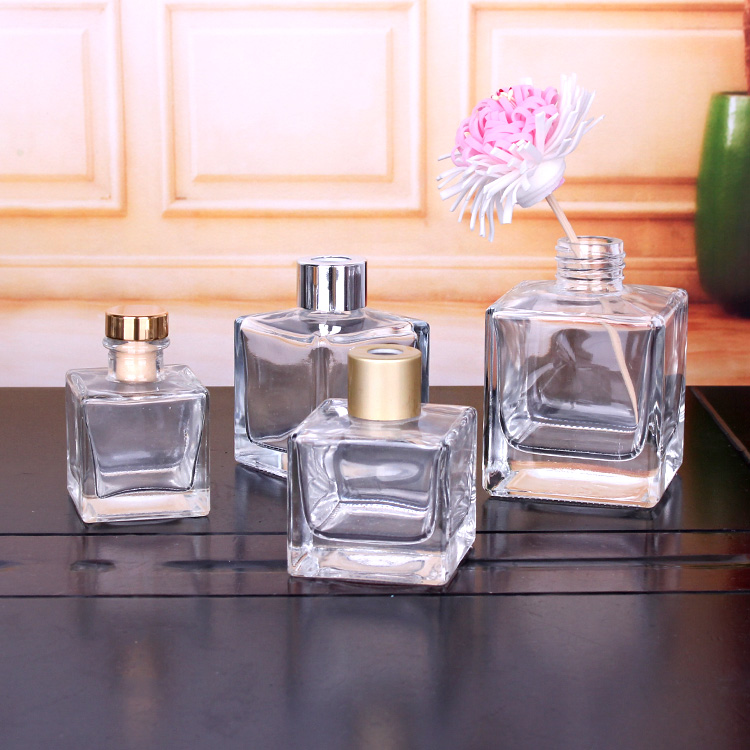 50ml 100ml 150ml 200ml square shape reed aroma diffuser bottle with silver and gold screw cap