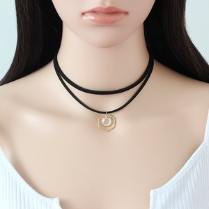 Y-010 Pendant Crystal Layered Black Velvet Choker Necklace