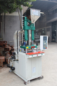 Beach table top injection molding machine