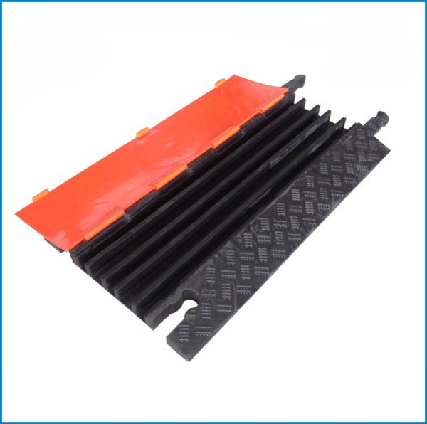 2019 new style competitive price cable protection cover, cable ramp for show