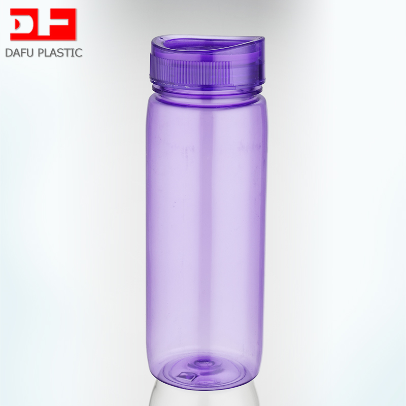 680ml BPA Free Tritan sports bottle with logo travel transparent water bottles with Screw caps