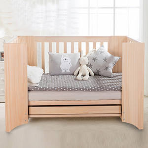 Large sleep space adjustable solid wood Baby Cribs 4 in 1 kids cot germany