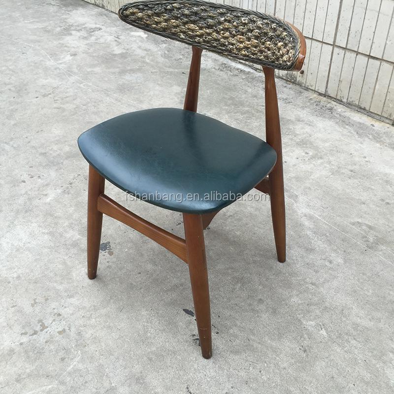 Desain Unik Perabot Ruang Keluarga Rekreasi Kursi Goyang Kayu Rotan Santai Kursi