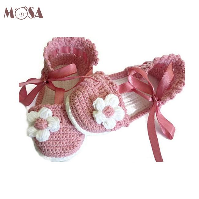 e6ce79ee Sandalias de bebé de ganchillo bebé niña verano Zapatos en color rosa y  blanco con flores