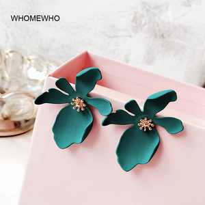 Gold Metal Candy Coated Pink Blooming Flower Minimalist Stud Earrings Cute Girl Summer Fashion Jewelry Engagement Gifts