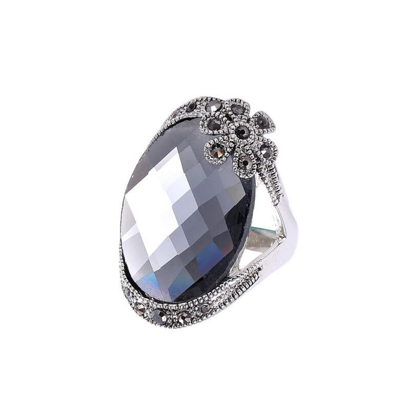 Luxury High Quality Super Large Crystal Ring Fashion Long Section Platinum Plated Ring Jewelry For Women