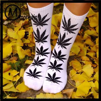 69f84310fcf Morewin Chaussette Personnalisé Coloré Genou Haute Chaussettes Femme Bambou Marijuana  Feuille Cannabis Chaussette Fabricant