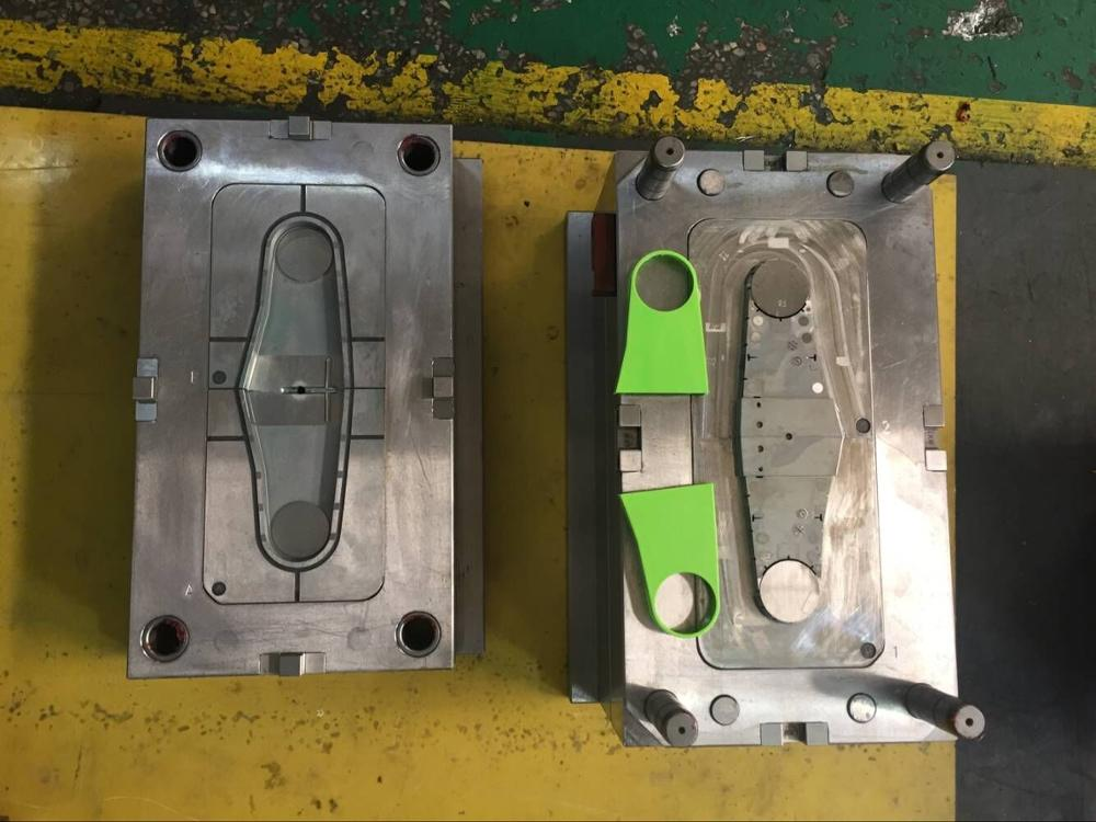 Plastic injection electric switch plug socket mould/mold