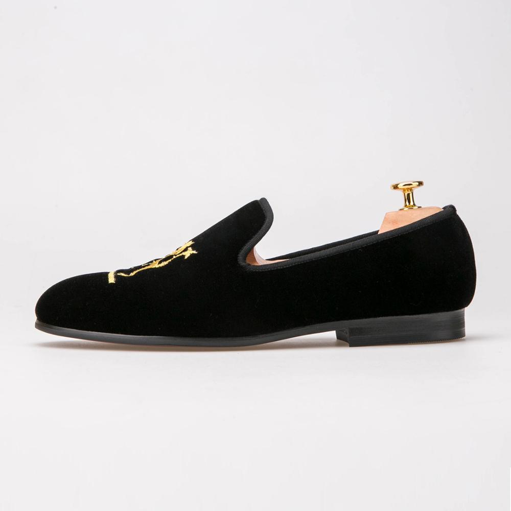 Handgefertigt Samt Slipper Löwen Bestickte Schwarze Hausschuhe Schuhe Buy Handarbeit Männer Samt Slipper,Männer Samt Schuhe,Männer Samtpantoffeln