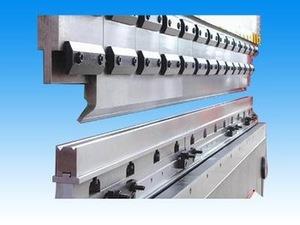 Precision manual metal bending tools