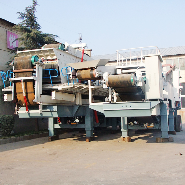 high efficiency Small mobile stone crusher plant / Mini mobile crushing station / Small stone crusher