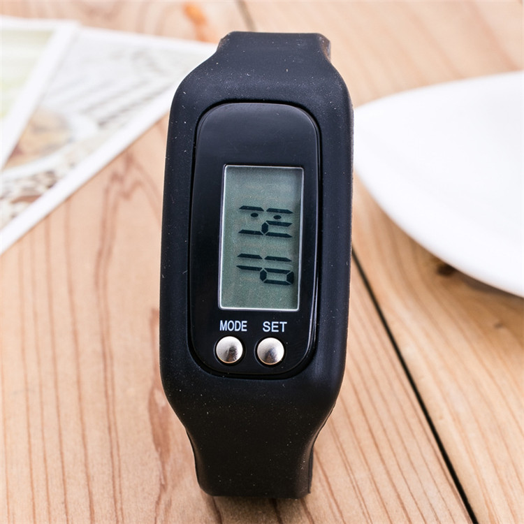 2020 Hot Selling Silicone Sports Watch Distance Counter Pedometer Bracelet
