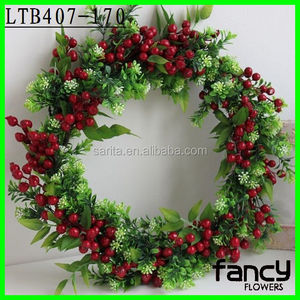 Decorative plastic berry artificial fruit garland