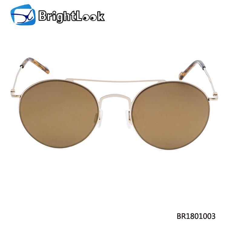 Cheap Promotional Smoke Lenses Adult Unisex Plastic Black Frame Wooden Temple Sunglasses