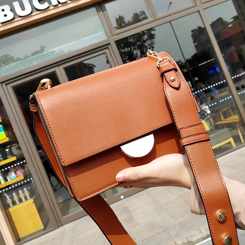 941b08bacd08 2019 Новая мода заклепки небольшой квадратный мешок леди сумка женская  сумочка