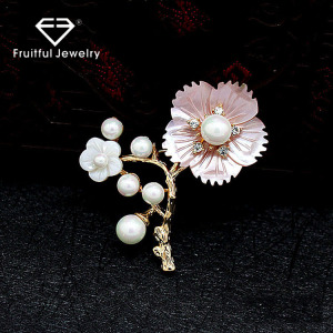 Hot Sale Fashion Women Shawl Scarf Scarves Buckle Clips Jewelry Brooch Hand Painted Rhinestone Shell Pearl Flower Brooch