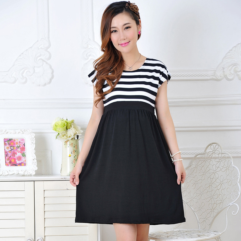 Find and save ideas about Dresses for pregnant women on Pinterest. | See more ideas about Clothes for pregnant women, Pregnant dresses and Pregnancy wear.