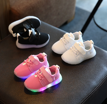 X82983A new model child kids boys sports led light up shoe children baby girl running shoes