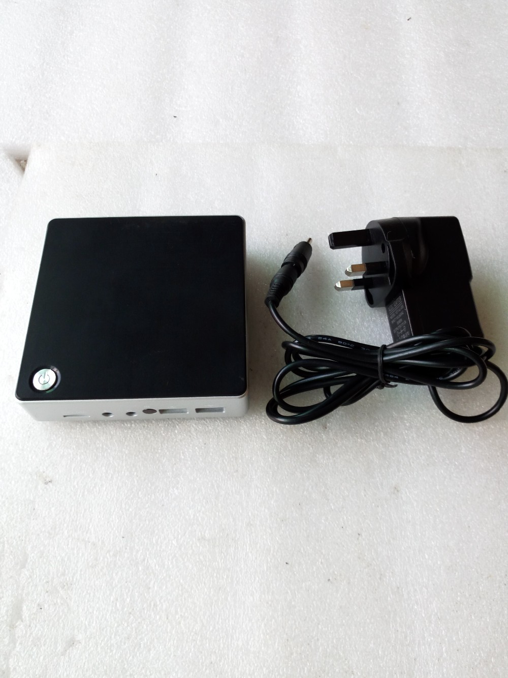 Fanless mini 1.86 ghz 32g hard disk pc with 4g ram