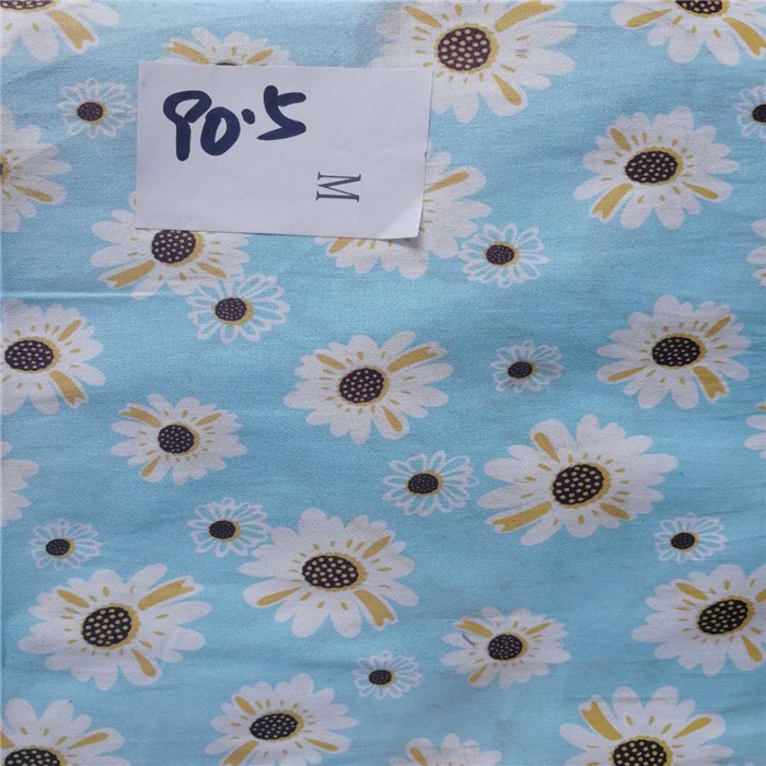 Blue Floral White Fabric with Blue Flowers 100/% Cotton Fabric w3//36
