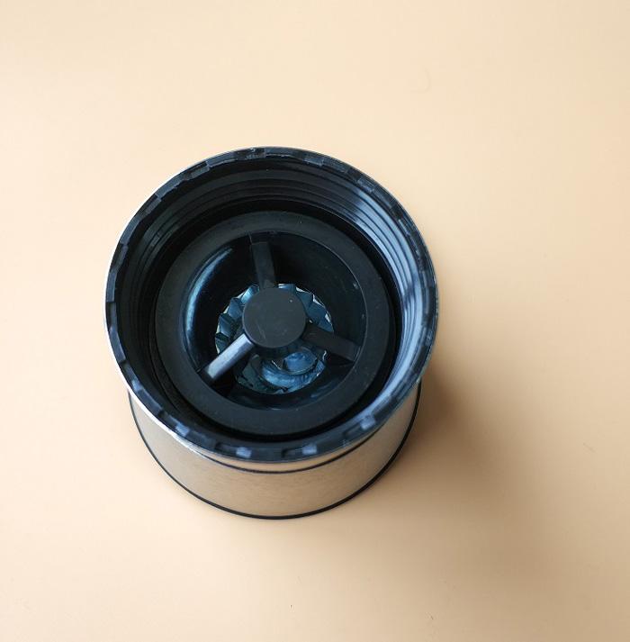 wholesale 6oz mini carbon steel ceramic chili pepper grinder salt mills